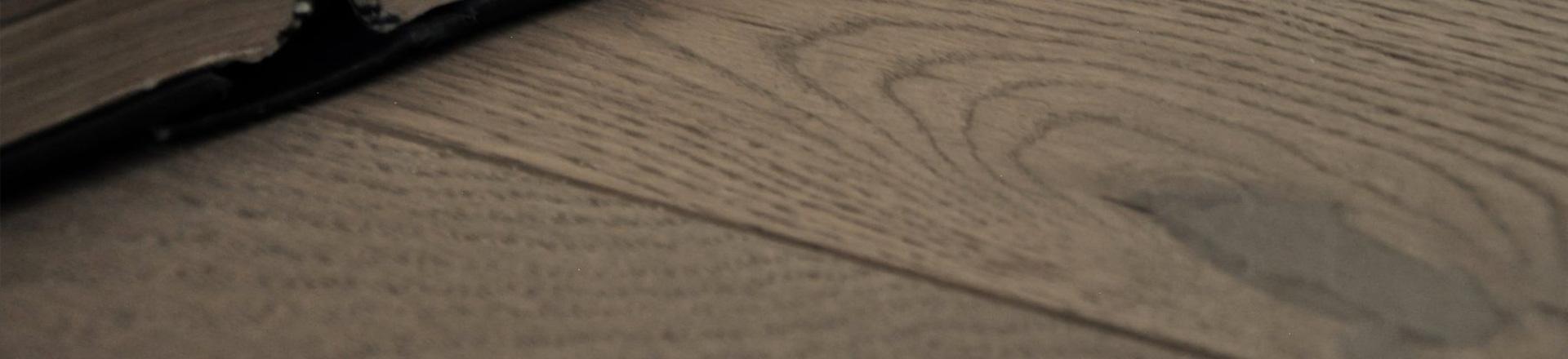 pavimento rovere sand nodoso